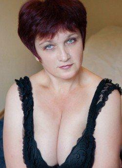 Сладкая девочка с приятной попкой и грудью желает познакомиться с мужчиной в Рязани